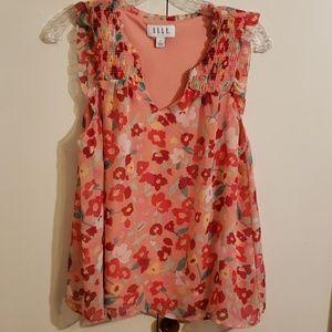 Elle sleeveless top size small